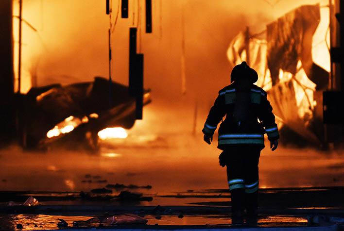 Крупный пожар строительного рынка Синдика - новости, информация 2