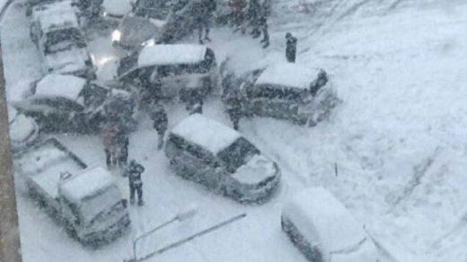 Во Владивостоке из-за снегопада произошло около 300 ДТП - новости сегодня 1