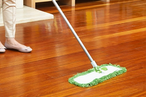 Как правильно ухаживать за ламинатом в квартире - основные советы 5