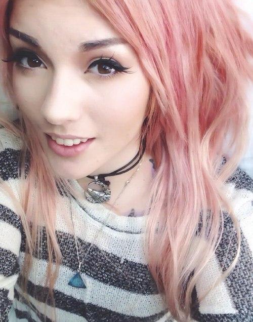 Картинки на аву девушки с красивыми волосами - самые классные 1
