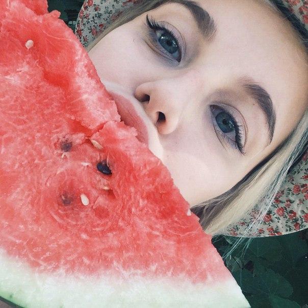 Прекрасные и отменные фотографии девушек - красивые и милые 13