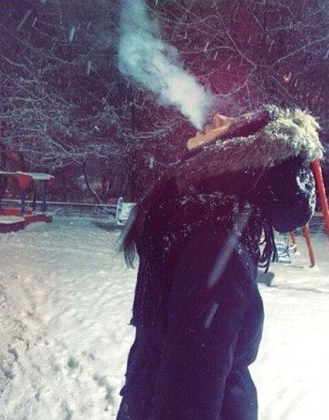 Красивые фото девушек зимой на аву