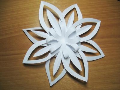 Как сделать снежинку из бумаги своими руками - лучшие схемы и варианты 11
