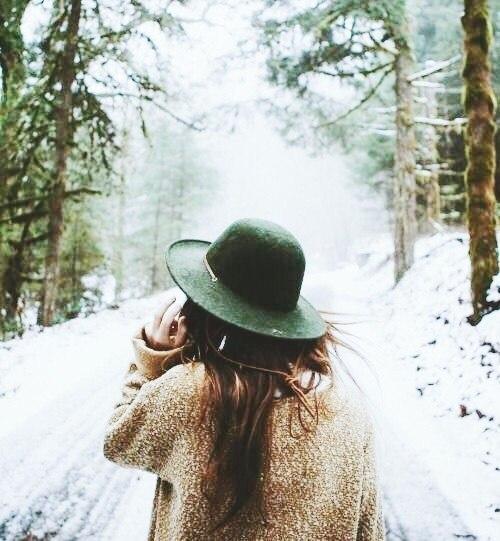Красивые и удивительные фото девушек на аву зимой - скачать подборку 8