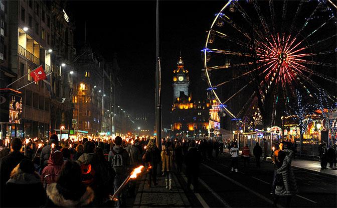 Новогодние традиции и вечеринки по всему миру - интересное 3