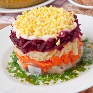 Селедка под шубой, классический рецепт - пошаговый, с фото 1