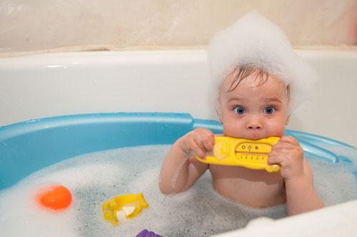 Как дома купать новорожденного ребенка первый раз - лучший способ 1