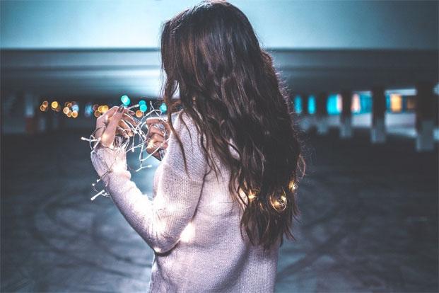 Картинки девушки зимой со спины на аву - красивые и прикольные 4