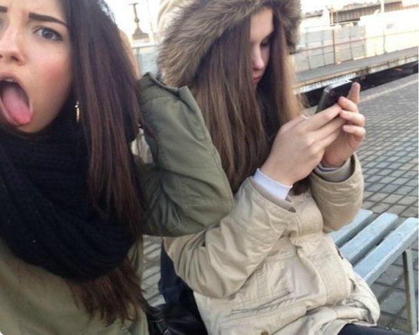 Две подружки картинки и фото на аву - самые красивые и прикольные 7