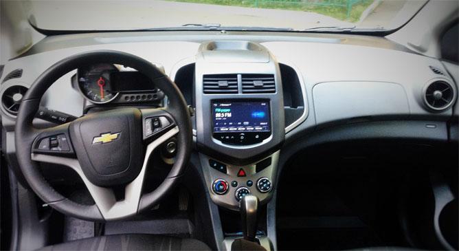 Обзор автомобиля Сhevrolet Aveo 1.6л - внешний вид, коробка, цена 2