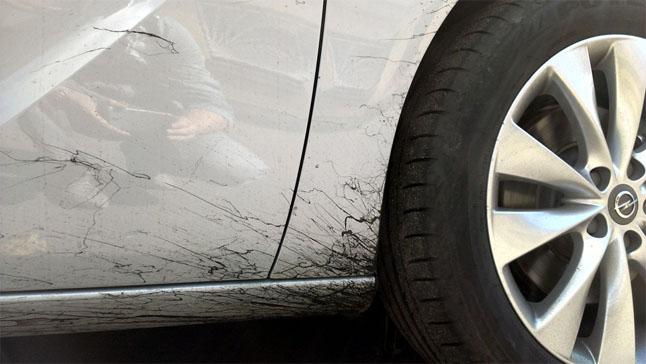 Удаление битумных пятен с автомобиля - самые действенные средства 1