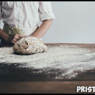 Почему тесто не поднимается на дрожжах в духовке при выпечке 1