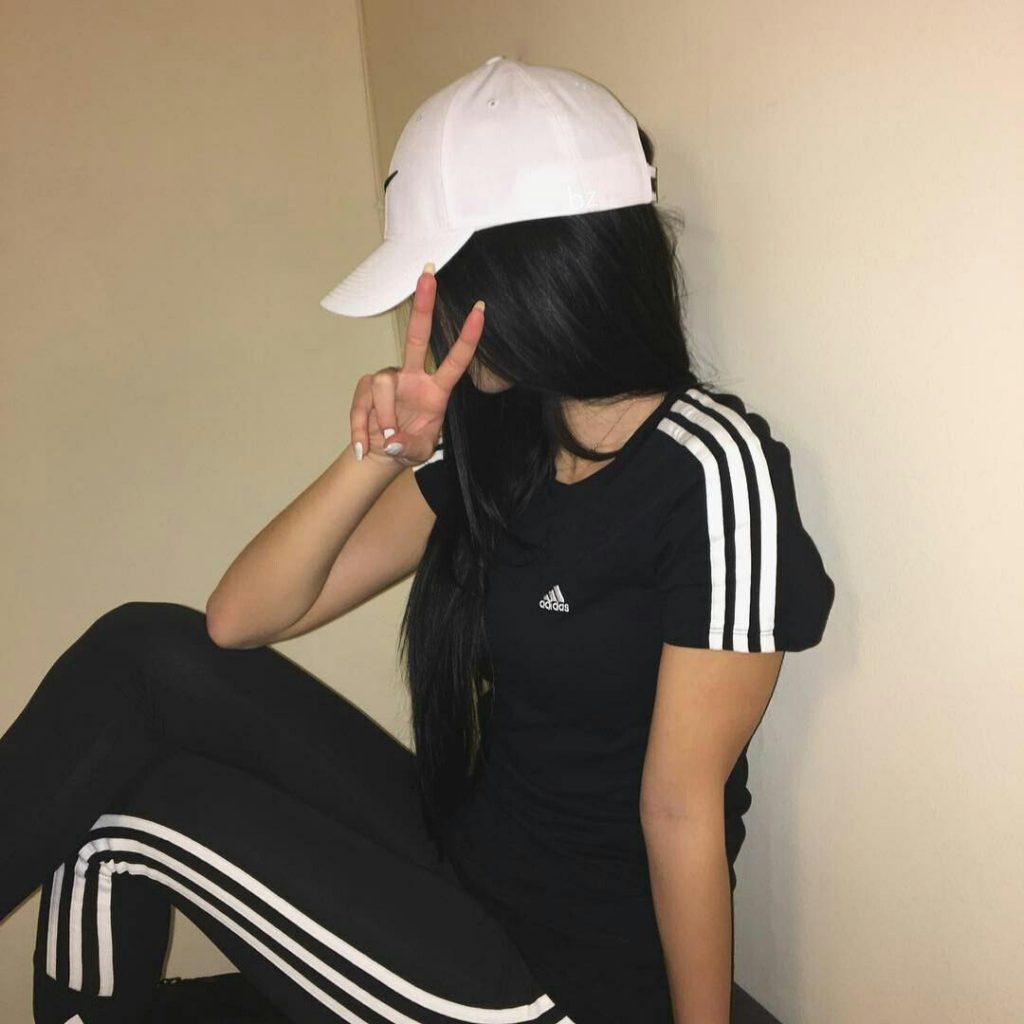 Прикольные и красивые картинки девушек в кепке на аву - сборка 9