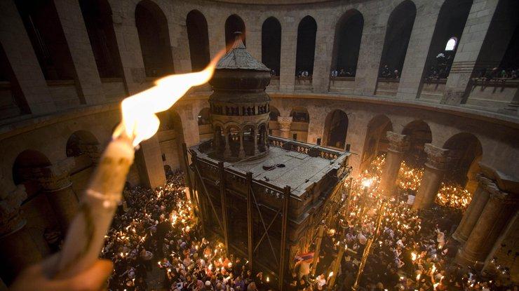 Схождение Благодатного огня 2018 в Иерусалиме - видео, новости 1