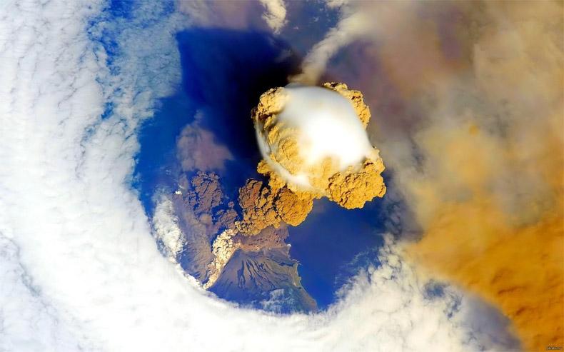 Извержение вулкана, землетрясения, лава - красивые снимки и фото 17