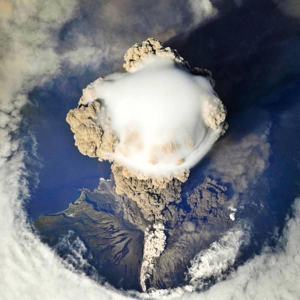 Извержение вулкана, землетрясения, лава - красивые снимки и фото 20