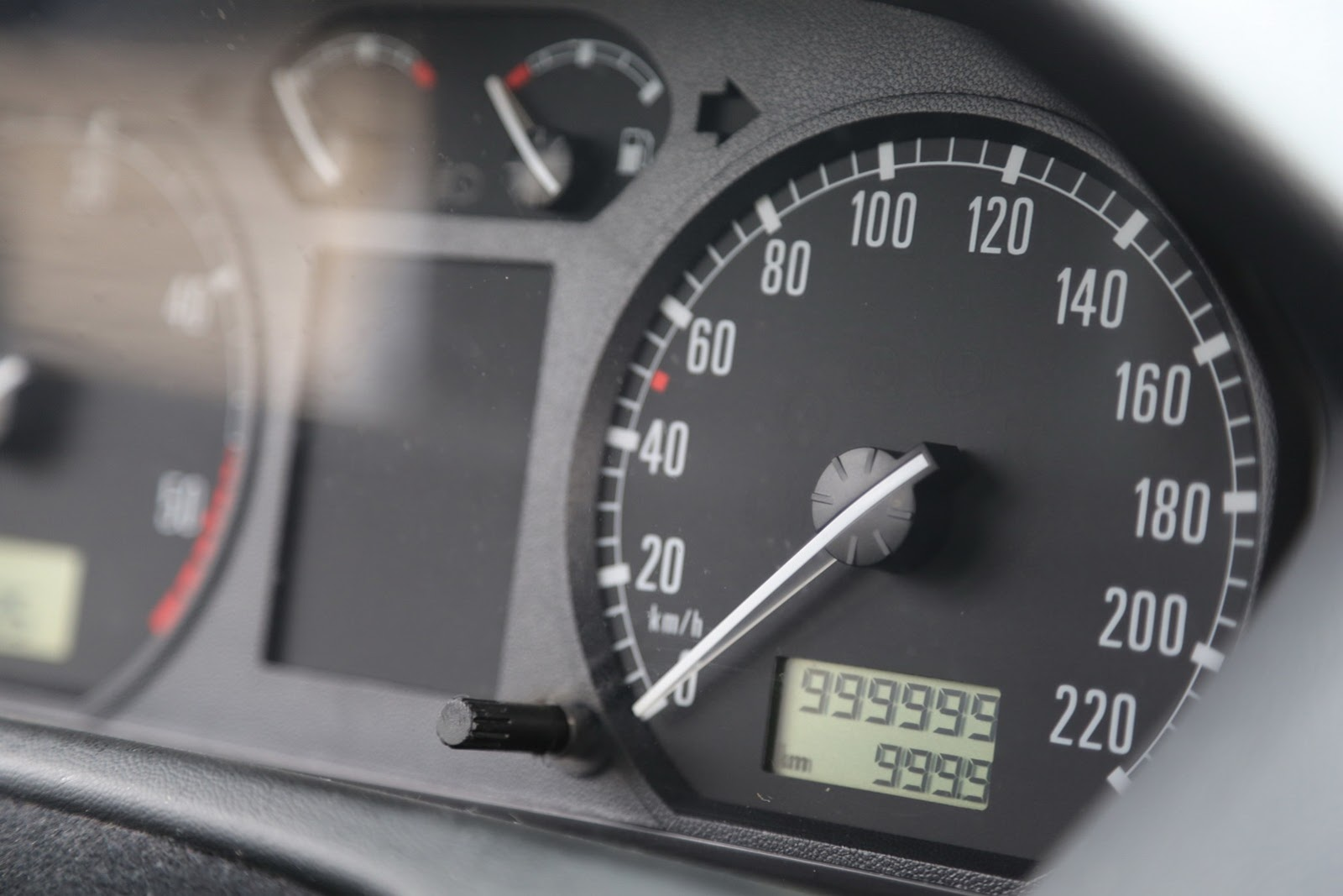 Как определить смотанный пробег в автомобиле Основные способы 1