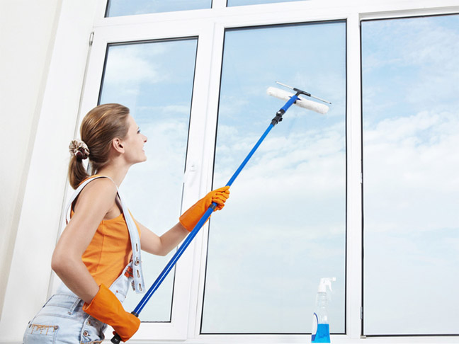 Как правильно помыть пластиковые окна без разводов - лучший способ 3