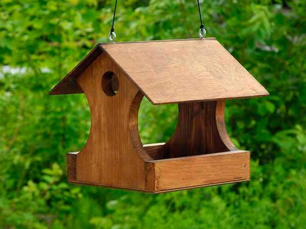 Как сделать кормушку для птиц своими руками - идеи из дерева, бутылки, коробок 22