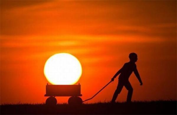 Красивые картинки, как люди держат Солнце руками - подборка 8