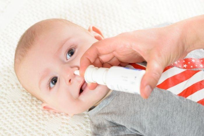 Насморк у младенца - как лечить и облегчить состояние малыша 3