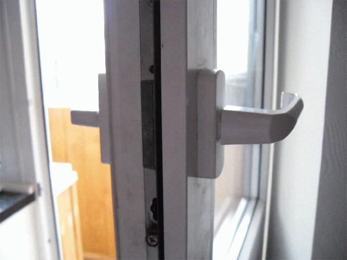 Что делать, если не закрывается балконная пластиковая дверь 3