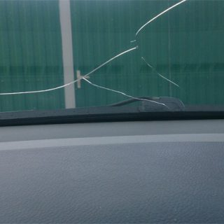 Как заклеить трещину на стекле своими руками - эффективные способы 1