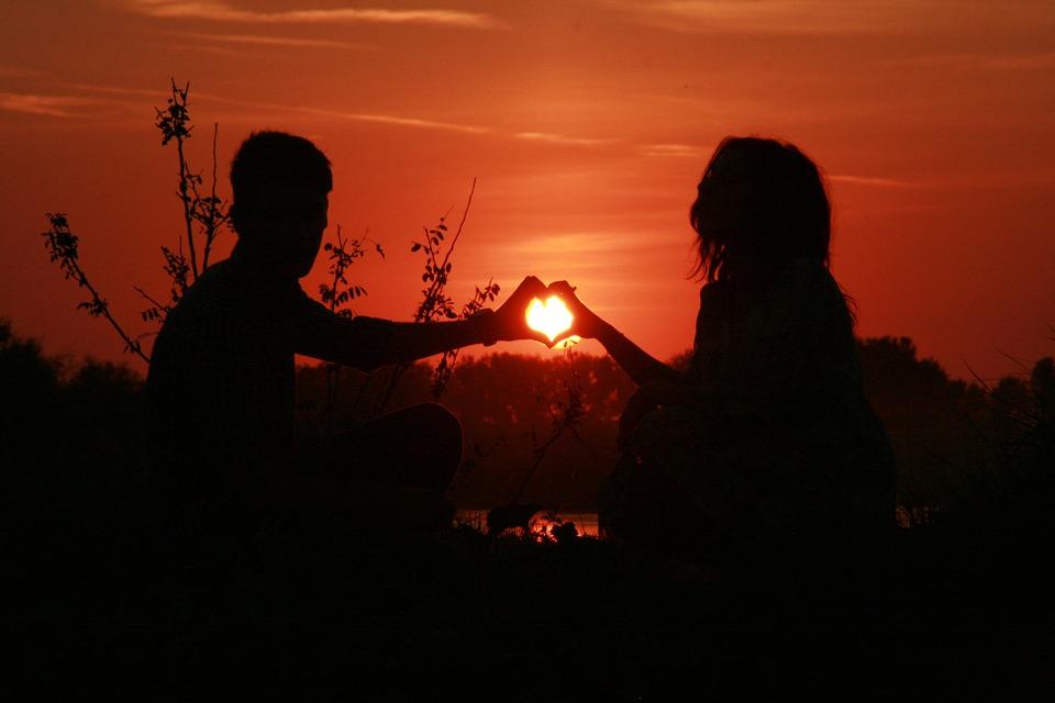 Невероятный и красивый закат Солнца летом - картинки и изображения 13
