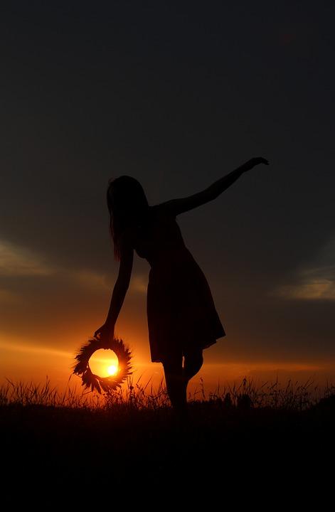 Невероятный и красивый закат Солнца летом - картинки и изображения 19