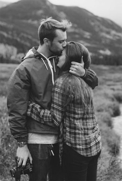 Черно-белые фото и картинки поцелуев любящих людей - сборка 9