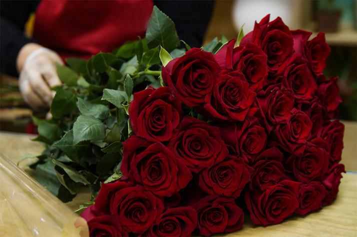 Какие цветы выбрать в подарок женщине по знаку зодиака - советы 3