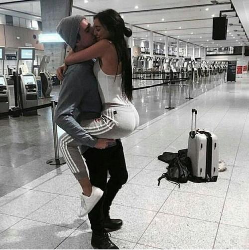 Картинки и фото на аву парень с девушкой обнимаются - подборка 13