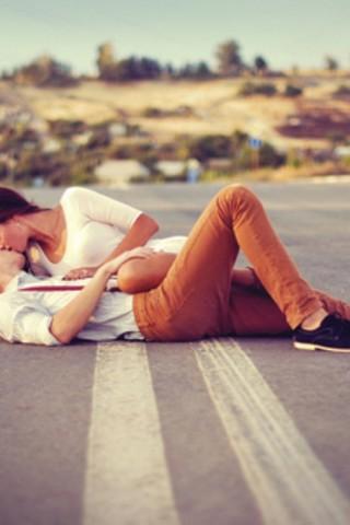 Классные картинки про любовь парня и девушки на телефон на заставку 13