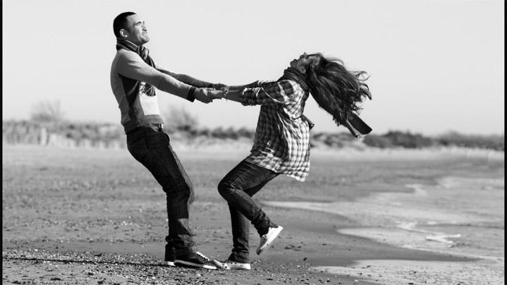 Черно-белые фото влюбленных людей, красивые пары - сборка фото 10