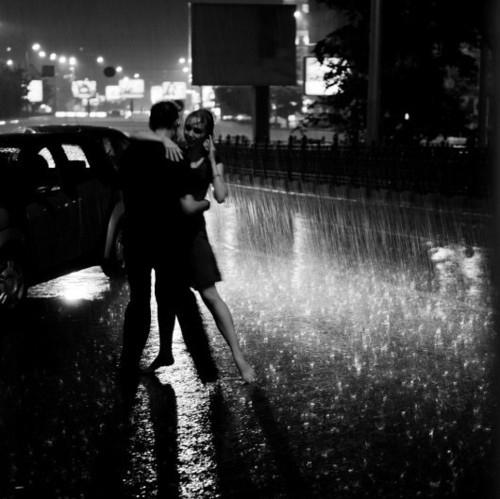 Черно-белые фото влюбленных людей, красивые пары - сборка фото 13