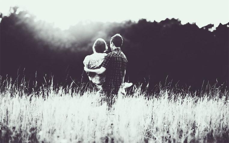 Черно-белые фото влюбленных людей, красивые пары - сборка фото 4