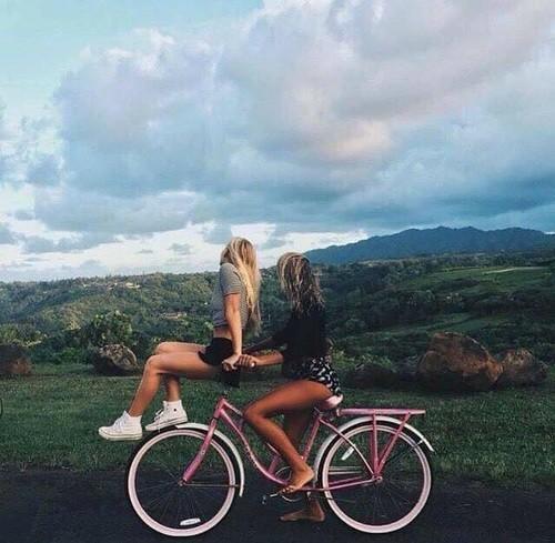 Картинки и фотки на аву для девушек с подругами - лучшая подборка 7