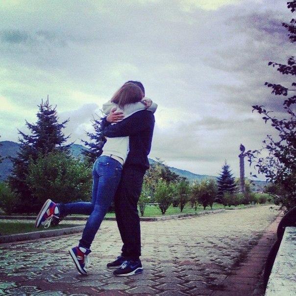 Красивые и милые картинки, фото на аву пары или влюбленные люди 15
