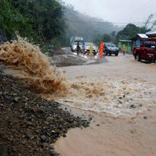 Несколько человека погибли из-за тайфуна «Мангхут» на Филиппинах 1