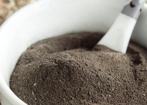 Черная глина для тела - основные полезные свойства, применение 1