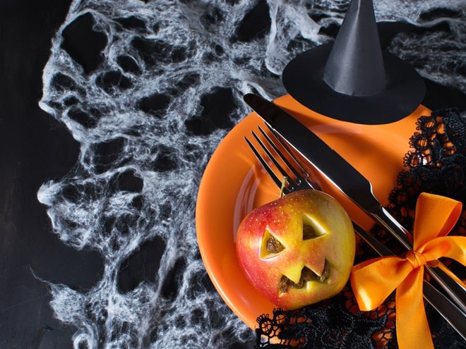 Как отпраздновать Хэллоуин дома Оформление дома и угощения 1