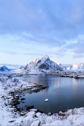 Обои и картинки про зиму на заставку телефона - самые красивые 6