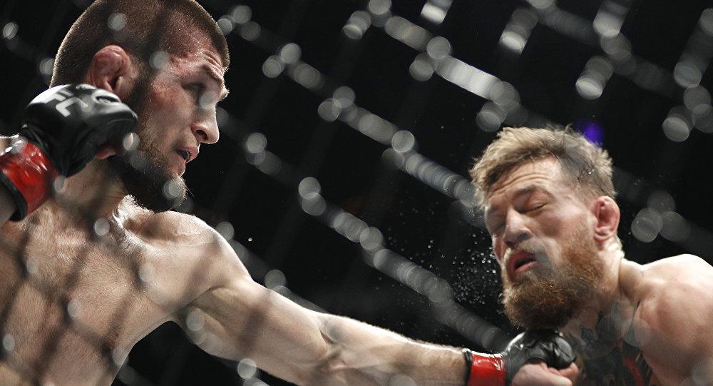 Хабиб Нурмагомедов победил Конора Макгрегора, защитив титул чемпиона UFC 1