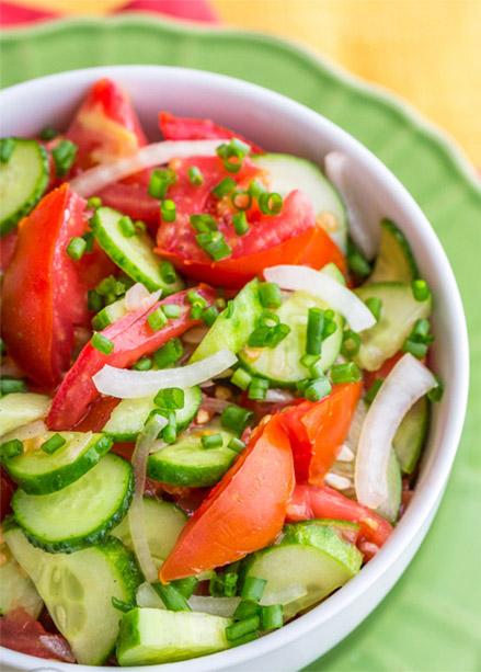 Почему нельзя смешивать огурцы и помидоры - причины 1