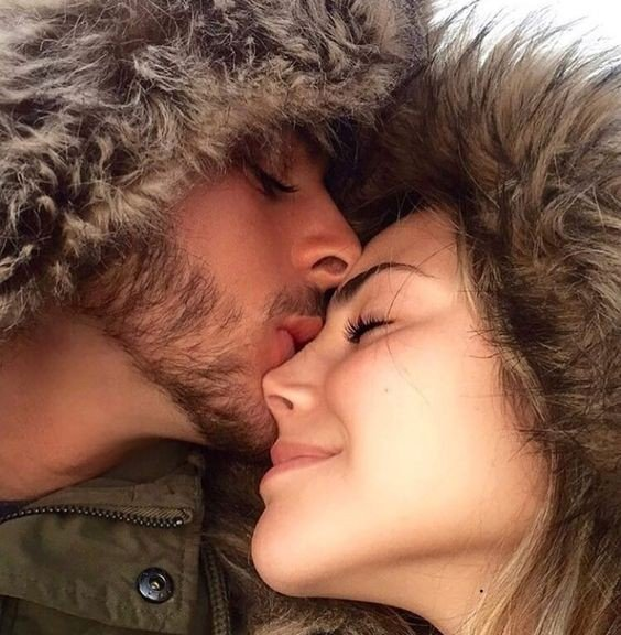 Девушка и парень целуются - красивые картинки и фото 20 штук 1