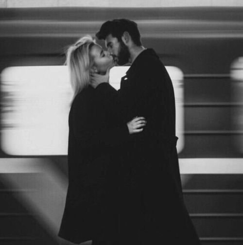 Девушка и парень целуются - красивые картинки и фото 20 штук 18