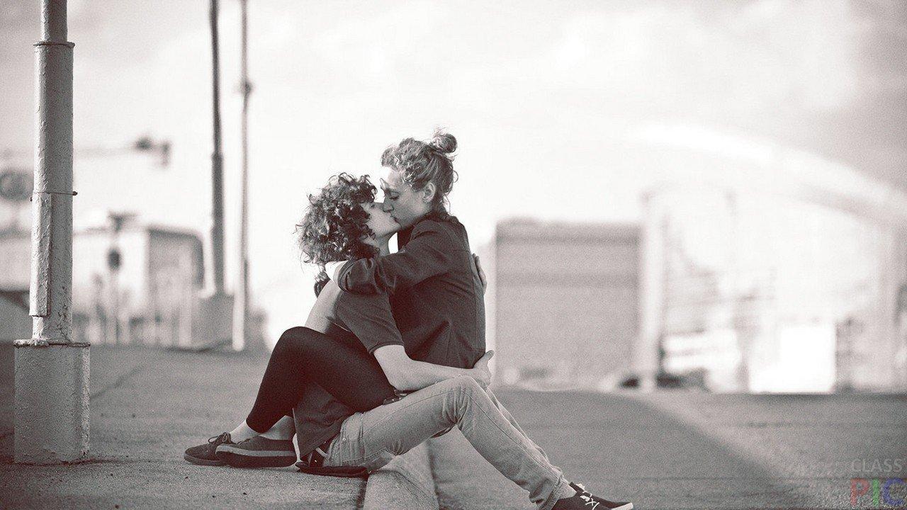 Девушка и парень целуются - красивые картинки и фото 20 штук 20
