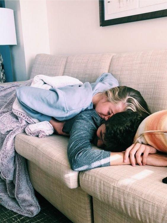 Девушка и парень целуются - красивые картинки и фото 20 штук 9