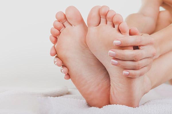 Как убрать огрубевшую кожу с пяток в домашних условиях 2