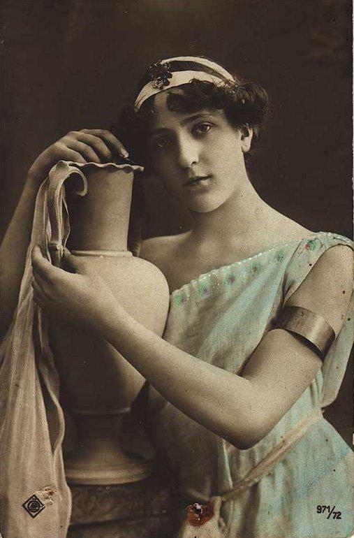 Красивые и интересные картины Девушка с кувшином - сборка 1